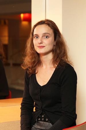 Louise Ferry, assistante parlementaire de Malika Benarab-Attou | Journée Prix Lux à Paris